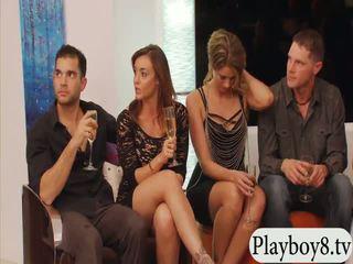결혼 한 사람들 swinging 과 그룹 섹스 에 playboy mansion