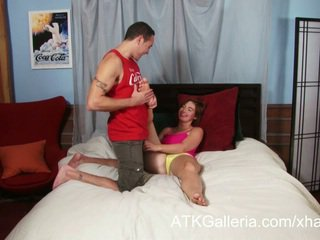 Jodi taylor enjoys dela anal e rubs em ejaculações