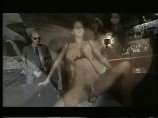 Monica roccaforte súložiť v bar