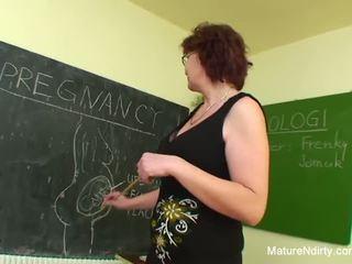 Student fucks jego wiele starszych nauczycielka