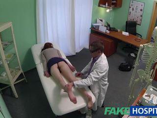 Vackra amatör patienten körd med fraud doktorn