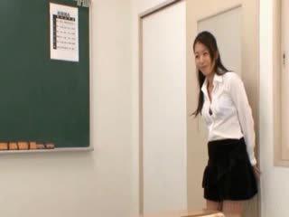 Skole lærer gets orientalsk kanner licked