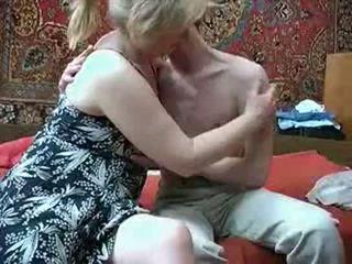 Régi anya -val -től russia