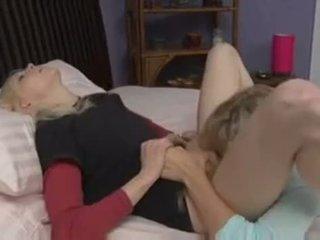 μουνί licking, υπνοδωμάτιο, λεσβία