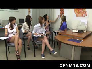 Cfnm hot skolejente orgie med lærer