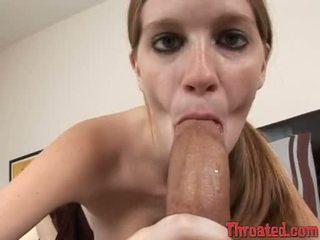 Pecker paramour layla exx blocks haar mond met een throbbing meatpole totdat ze chokes