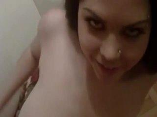Topolake vogëlushe rammed në the divan video