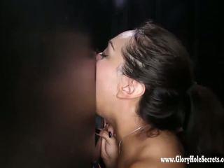 Auk seinas secrets armas latiino gets mouthfulls kohta sperma 1