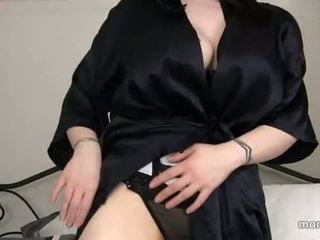 Мама намерени навън sons порно история