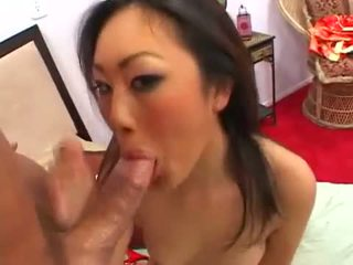 Evelyn lin takes ل ramrod في أن guyr ضيق كس و ثم gets sprayed مع بوضعه
