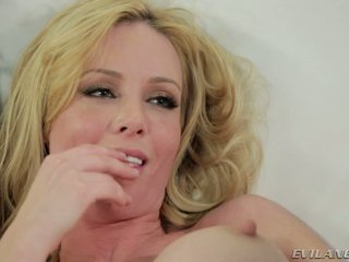 Kayden Kross Hooks Up With Veronica Vain In Lesbian Action