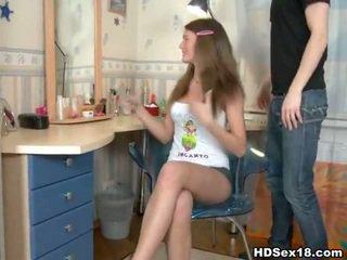 Adoleshent europiane i madh kokosh porno