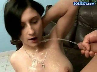 brunette, pissing, plassen
