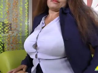 LATINCHILI Granny Gloria masturbating latin cunt <span class=duration>- 8 min</span>
