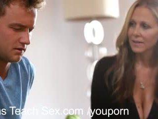 Tini pár gets szex lessons -től forró anya