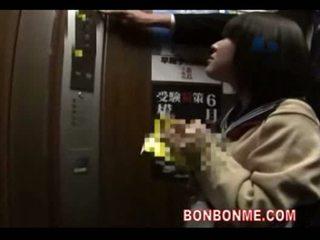 Japán diáklány leszopás és szar által tanár -ban elevato