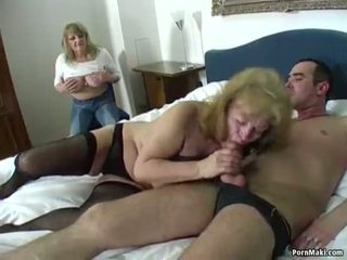Sortudo guy fucks two incrível grannies