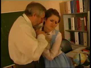 Δάσκαλος κακοποιημένος/η γερμανικό κούκλα