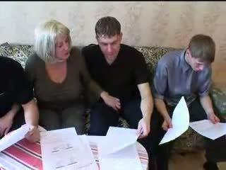 Ibu dan tiga sons panas keluarga seks pesta seks berkumpulan