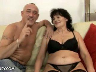 Lusty grandmas: en chaleur grand-père chaud pour poilu vieille helena peut