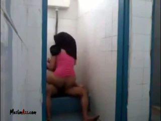 Hijab jilbab σεξ σε τουαλέτα