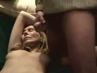 Prihajanje sperma na da mokro muca