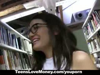 Teenslovemoney - бібліотека nerd fucks для готівка