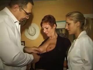 समूह सेक्स, खुशमिजाज आदमी, milfs