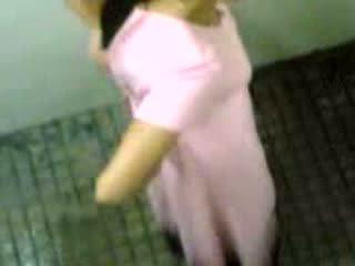 Warga india kanak-kanak perempuan taped taking pee video