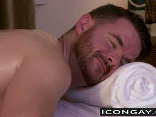Brendan having sex auf die massage tabelle