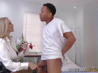 Cougar arst julia ann cures mustanahaline riist, porno f6