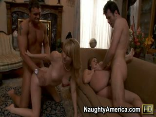 Brooke lee adams এবং lexi belle পর্ণ