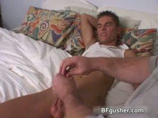 Brandon acquires jego seksowne gej penis jerked