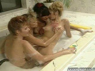 Anna malle at tiffany mynx sa a pilyo bulabok banyo session may ilan girlfriends