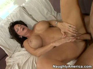 Horny milf Deauxma gets a fresh load of cum in her mouth
