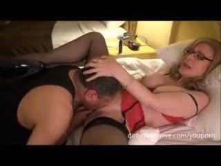 Nina hartley meets dapperdan ב exxxotica uses שלו פנים ל cuntlick lesson