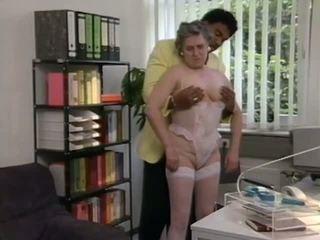 German Granny gets help from Black Stud, Porn 6e
