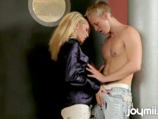 blondínky, sanie