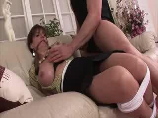 Nainen sonia sidottua ja sisään sukkahousut