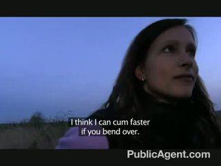 Publicagent - evelyn strips od na zewnątrz