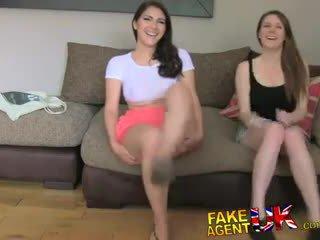 Fakeagentuk italiana e inglesa sexo a três em fake casting