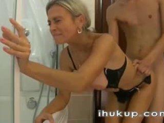 Горещ руски мама майната - ihukup-com