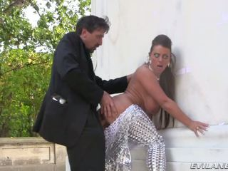 Steve holmes sikiş round trip in berlin with seksual susi