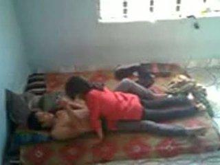 Bangladeshi মেডিক্যাল ছাত্রী সঙ্গে bf মধ্যে mess (leaked)