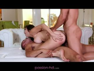 Passion hd: перший dp для краля holly michaels