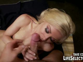 Samochód mechanic fucks seksowne, napalone babes