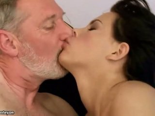 Old guy fucks seksual young beauty