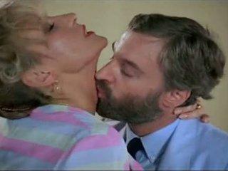 Petites culottes - francesa clásico porno - escena