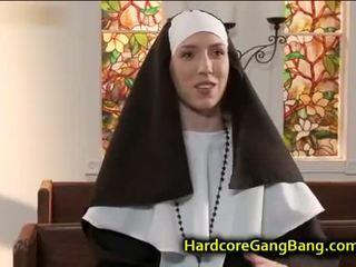 Biarawati