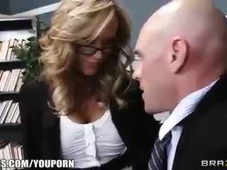 Schule principal brandi liebe gives schule lehrer ein sex ed lesson